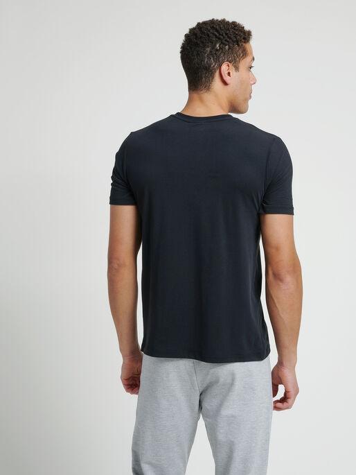 hmlVIRGIL T-SHIRT, BLACK, model
