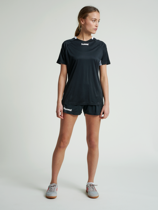 CORE TEAM JERSEY WOMAN S/S, BLACK, model
