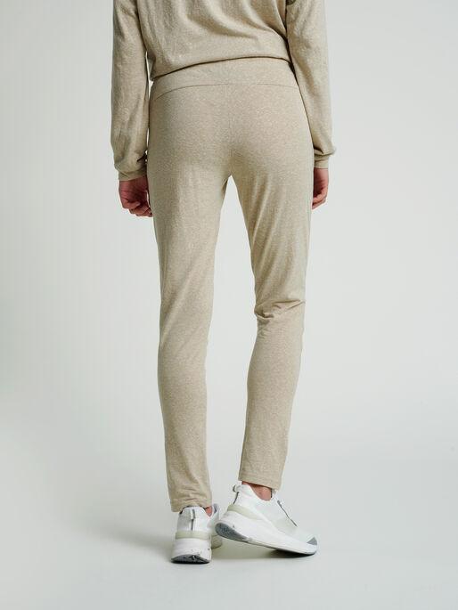 hmlZANDRA REGULAR PANTS, HUMUS MELANGE, model