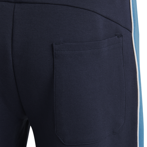 hmlLAYTON SHORTS, BLACK IRIS, packshot
