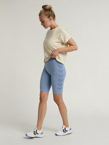 hmlSELLY T-SHIRT, BONE WHITE, model
