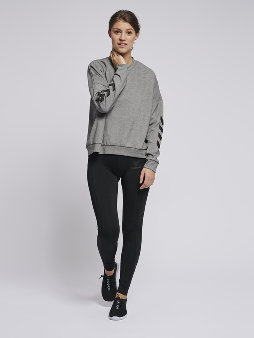 hmlESSI SWEATSHIRT, GREY MELANGE, model