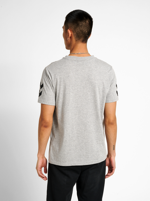 hmlHIVE COTTON TEE, GREY MELANGE, model