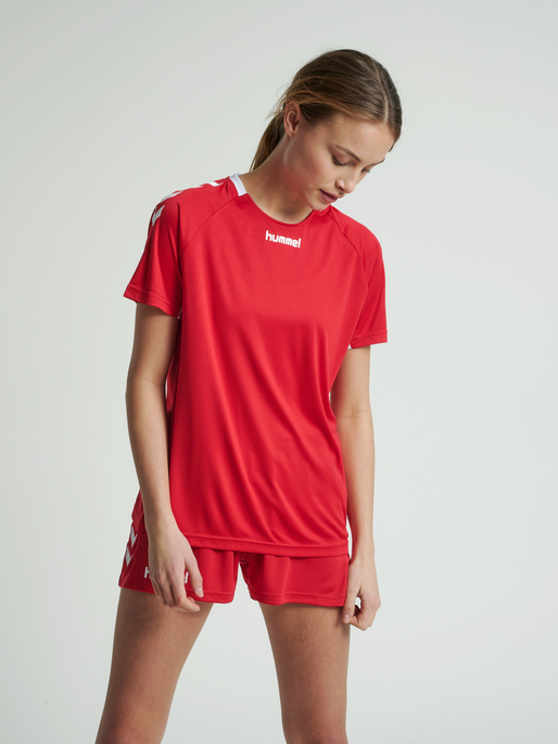 CORE TEAM JERSEY WOMAN S/S, TRUE RED, model