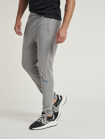 hmlAMOS TAPERED PANTS, SHARKSKIN, model