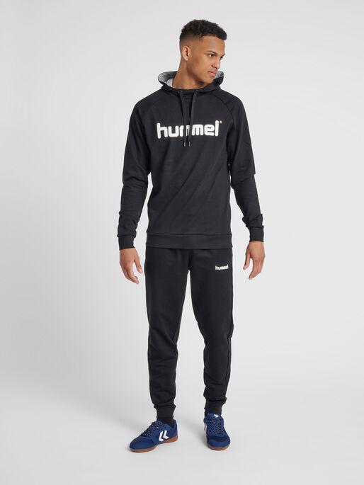 HUMMEL GO COTTON LOGO HOODIE, BLACK, model