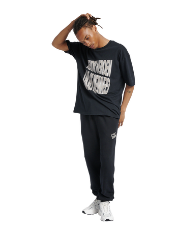 hmlGRAPHIC T-SHIRT, BLACK, model