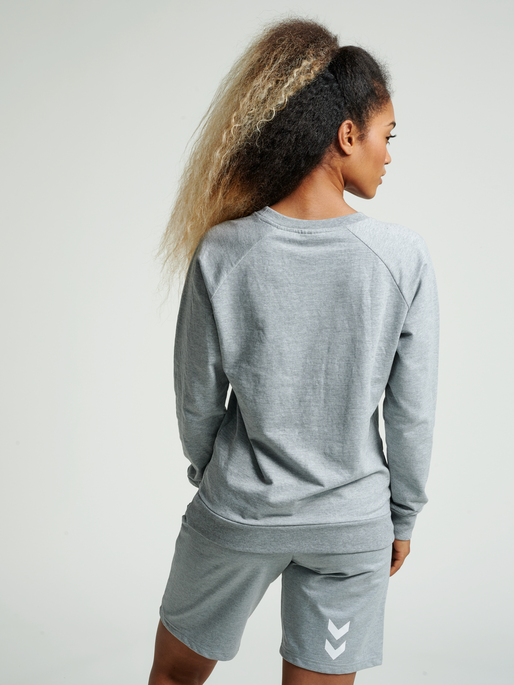 HUMMEL GO COTTON LOGO SWEATSHIRT WOMAN, GREY MELANGE, model