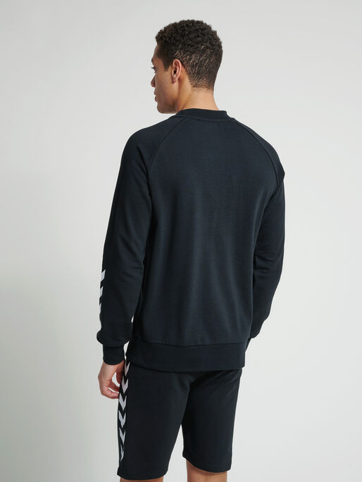 hmlISAM SWEATSHIRT, BLACK, model