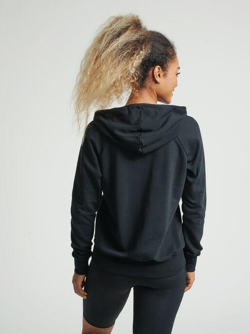 hmlNONI ZIP HOODIE, BLACK, model