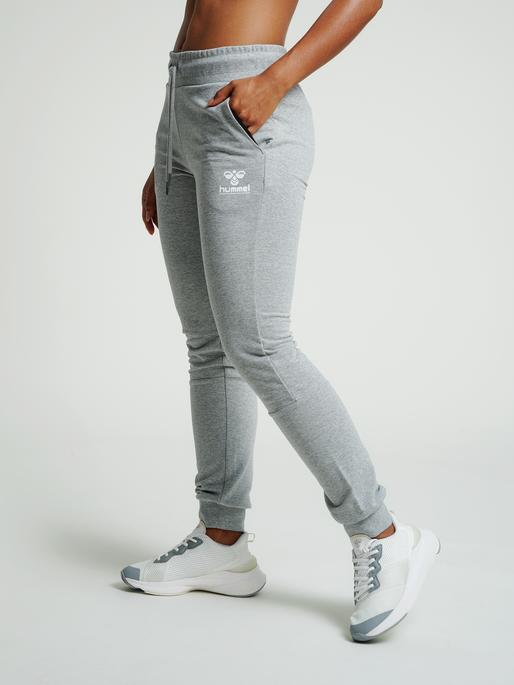 hmlNONI REGULAR PANTS, GREY MELANGE, model