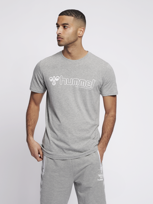 hmlMARCEL T-SHIRT S/S, GREY MELANGE, model