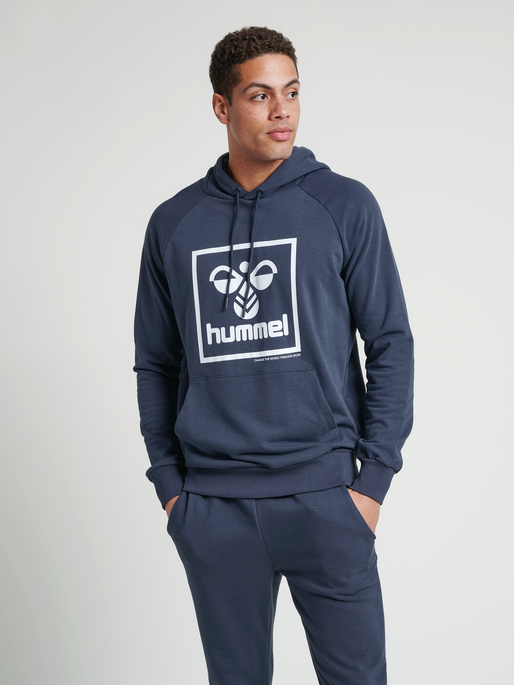 hmlISAM HOODIE, BLUE NIGHTS, model