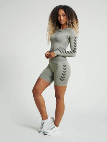 hmlFIRST SEAMLESS TRAINING SHORT TIGHTS WOMEN, LONDON FOG, model