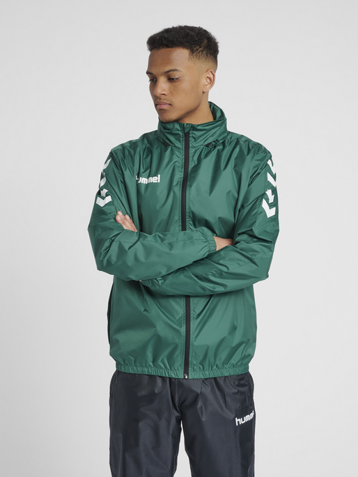 CORE SPRAY JACKET, EVERGREEN, model