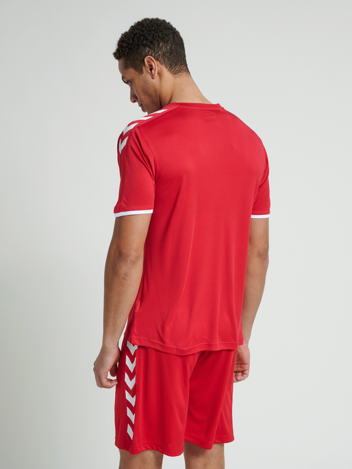CORE SS POLY JERSEY, TRUE RED PRO, model
