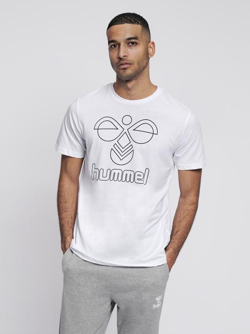 hmlPETER T-SHIRT S/S, WHITE, model