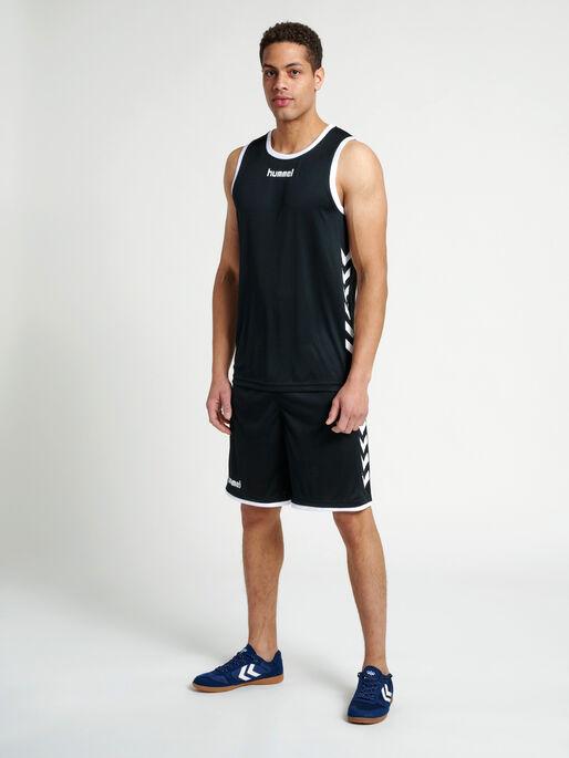 CORE BASKET SHORTS, BLACK, model