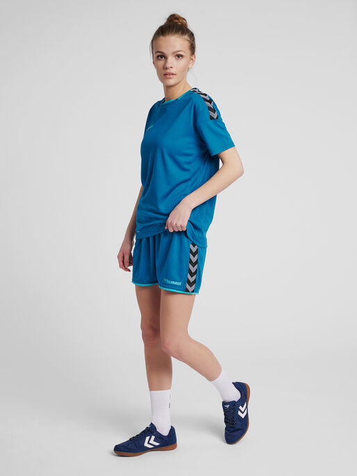 hmlAUTHENTIC POLY SHORTS WOMAN, CELESTIAL, model