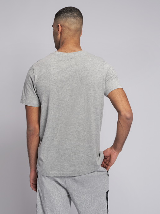 hmlSPLASH T-SHIRT S/S, GREY MELANGE, model