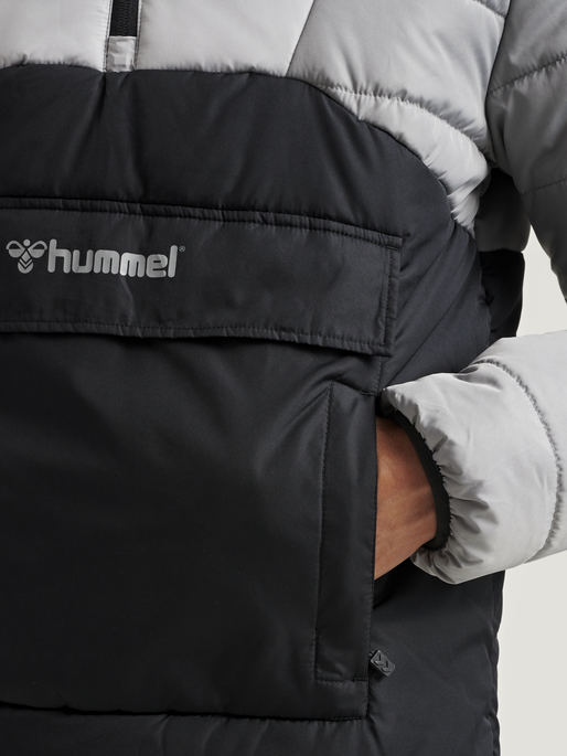 hmlTHEO JACKET, BLACK, model