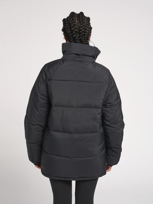 hmlANDREAS PUFFA JACKET, BLACK, model