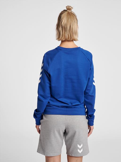 HUMMEL GO COTTON SWEATSHIRT WOMAN, TRUE BLUE, model