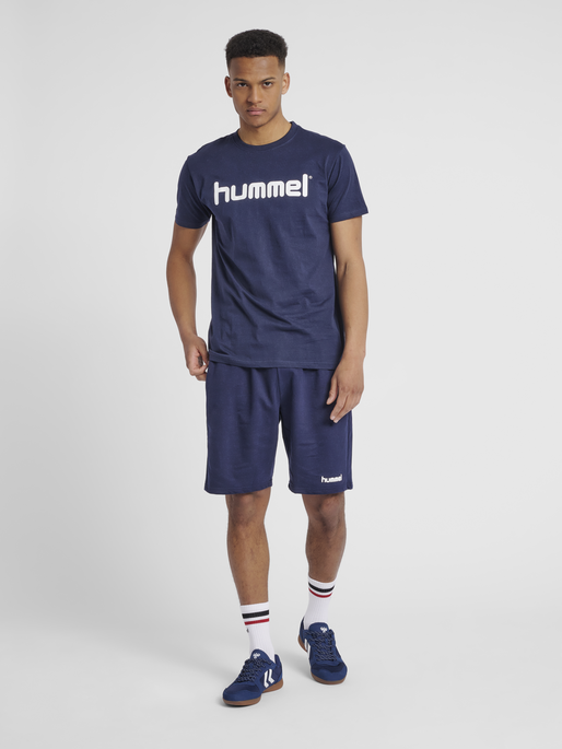 HUMMEL GO COTTON LOGO T-SHIRT S/S, MARINE, model
