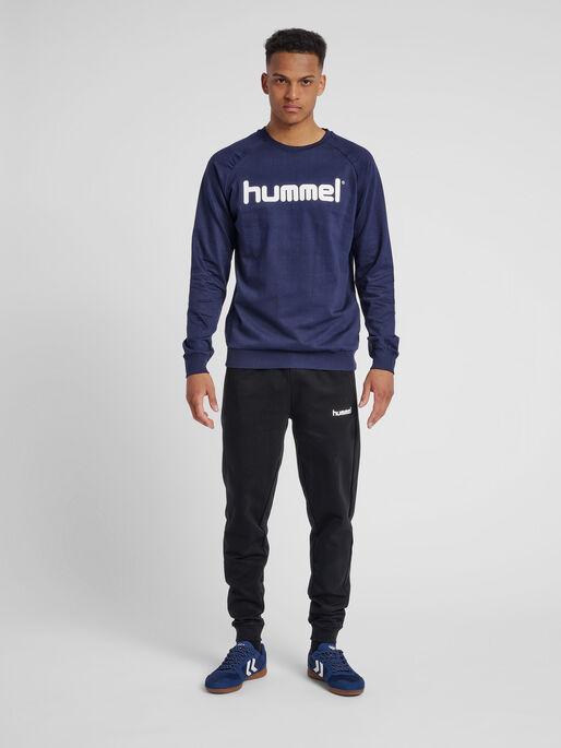HUMMEL GO COTTON LOGO SWEATSHIRT, MARINE, model