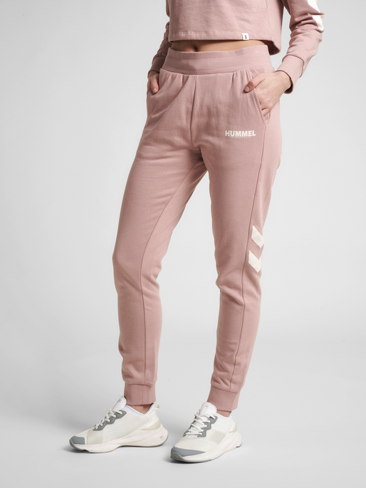 hmlLEGACY WOMAN TAPERED PANTS, WOODROSE, model