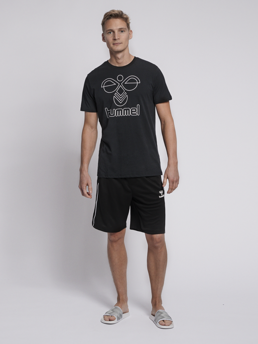 hmlARNE SHORTS, BLACK, model