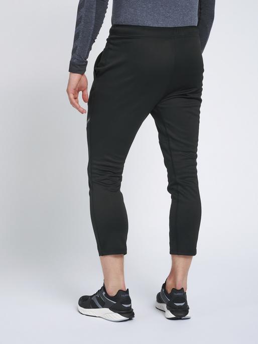 hmlNALO TAPERED 7/8 PANTS, BLACK, model