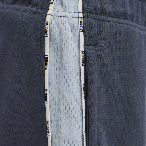 hmlJOBSE SHORTS, OMBRE BLUE , packshot