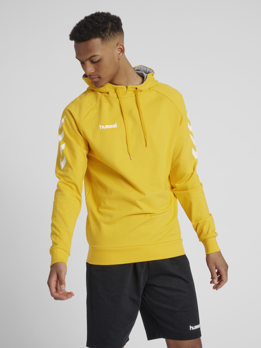 HUMMEL GO COTTON HOODIE, SPORTS YELLOW, model