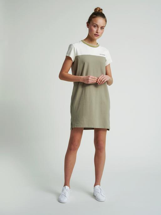 hmlNAHLA DRESS, VETIVER, model