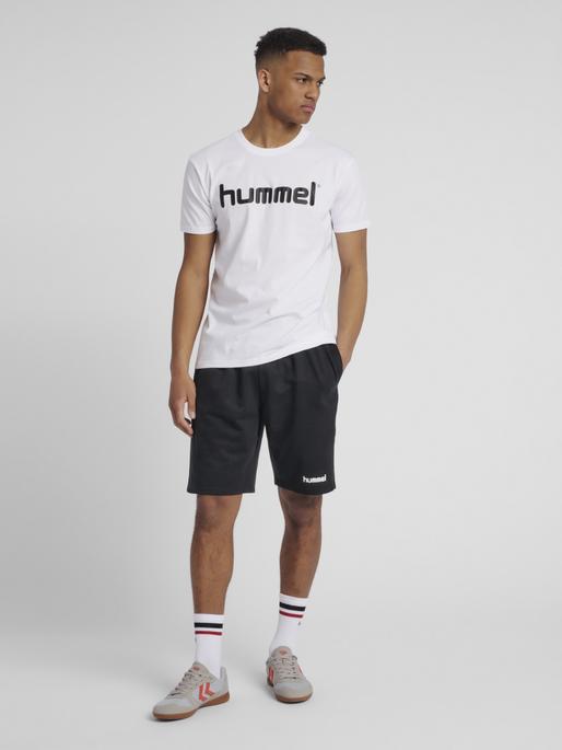 HUMMEL GO COTTON LOGO T-SHIRT S/S, WHITE, model