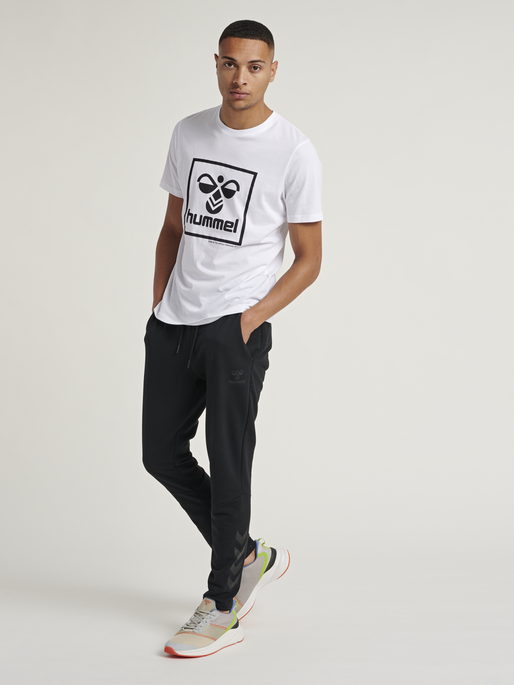 hmlISAM T-SHIRT, WHITE, model