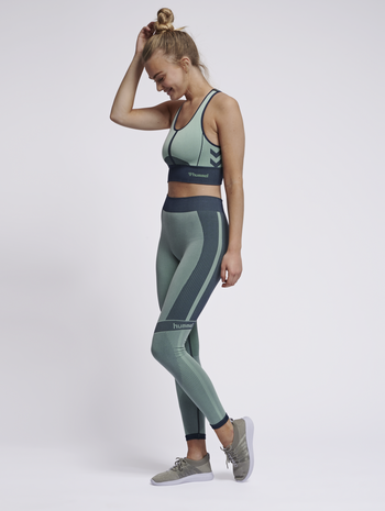 hmlASTRID SEAMLESS TIGHTS, ICE GREEN, model
