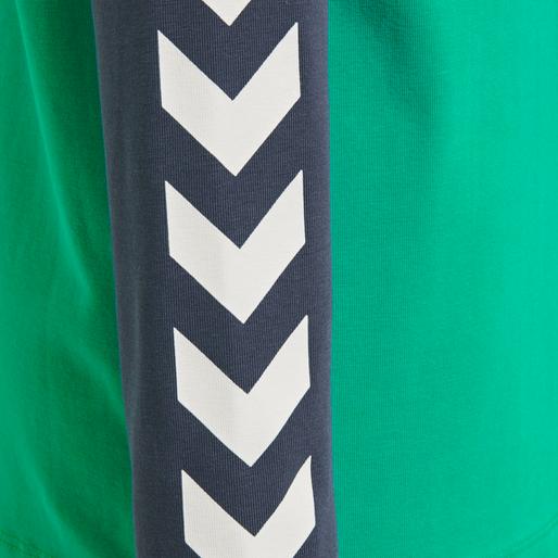 hmlBOYS T-SHIRT LS, DEEP GREEN, packshot
