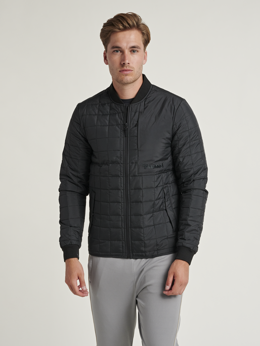 hmlLUKE JACKET, BLACK, model