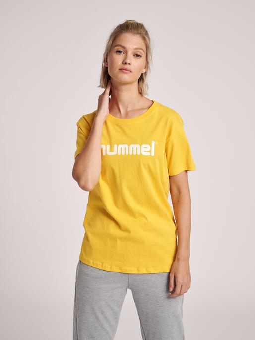 HUMMEL GO COTTON LOGO T-SHIRT WOMAN S/S, SPORTS YELLOW, model