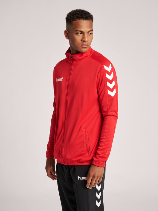 CORE POLY JACKET, TRUE RED, model