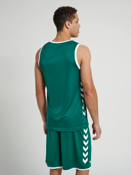 CORE BASKET JERSEY, EVERGREEN, model