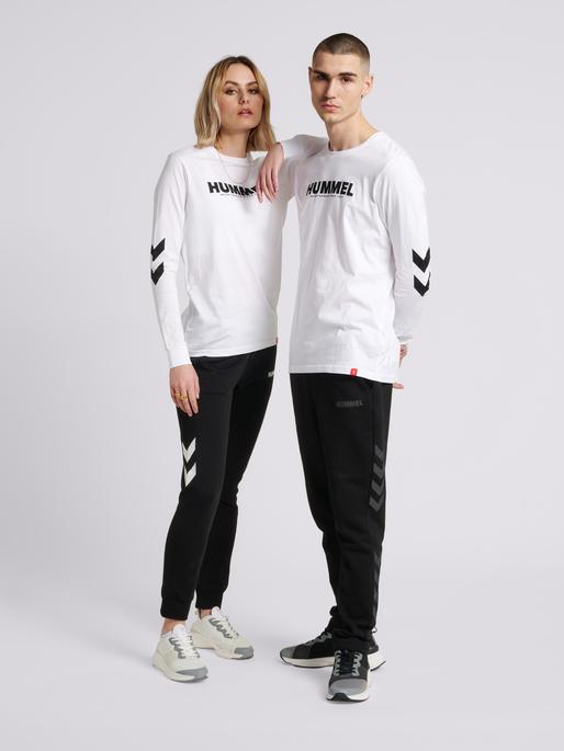 hmlLEGACY T-SHIRT L/S, WHITE, model