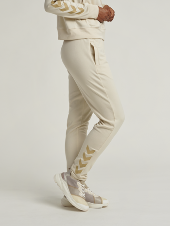 hmlZIBA TAPERED PANTS, BONE WHITE, model