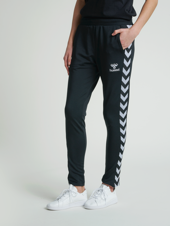 hmlNELLY 2.0 TAPERED PANTS, BLACK, model