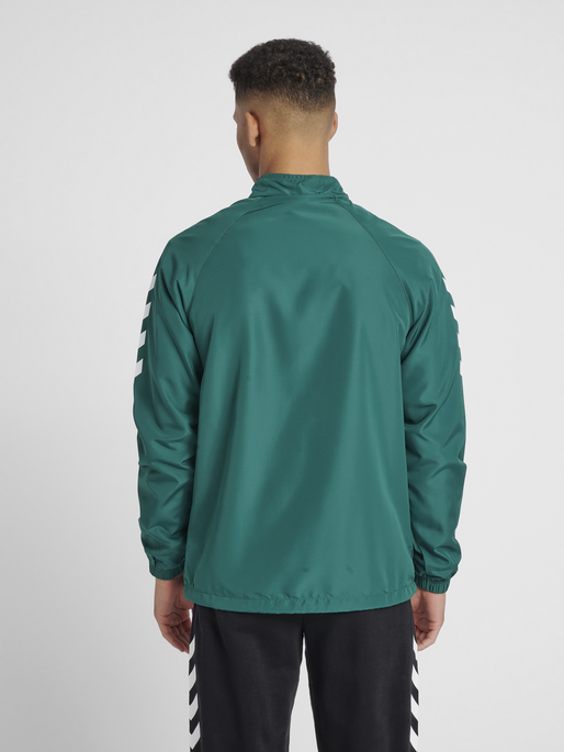 CORE MICRO ZIP JACKET, EVERGREEN, model