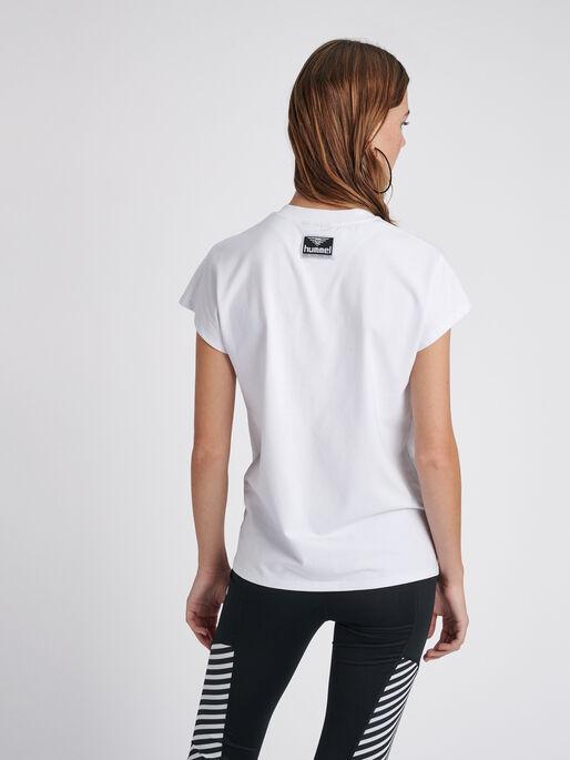 hmlVESTER T-SHIRT S/S, WHITE, model