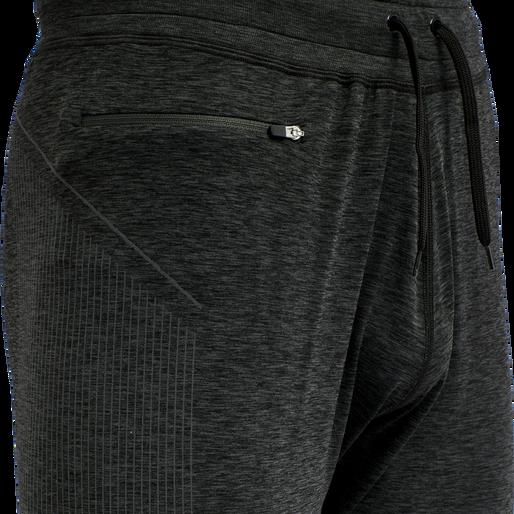 hmlCREW SEAMLESS TAPERED PANTS, BLACK MELANGE, packshot