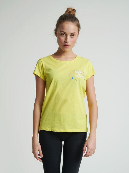 hmlSPRING T-SHIRT, CELANDINE, model